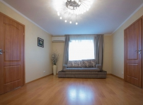 Двухкомнатная квартира на проспекте А. Поля