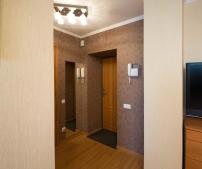 Двухкомнатная квартира на проспекте А. Поля (проспект Кирова)-13